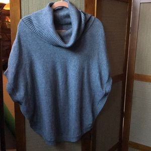 SISTERS GRAY SWEATER PONCHO SIZE M